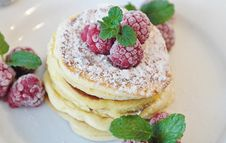 Free Pancakes With Raspberries On Top Royalty Free Stock Image - 95409616