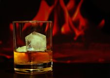 Free Rock Glass With Liquid And Ice Royalty Free Stock Image - 95476936