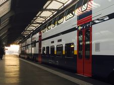Free Departure Train Stock Photography - 95477112