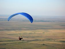 Free Paraglider Royalty Free Stock Image - 9552136