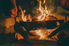 Free Flames In Burning Bonfire Royalty Free Stock Photo - 95593445