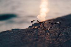 Free Eyeglasses On Beach Stock Images - 95593464