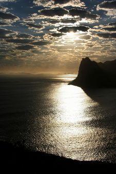 Free Sun Reflecting Off Ocean Stock Photos - 9566853