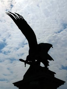 Free Silhouette Of Eagle Statue Stock Images - 9567484
