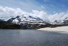 Free Snow Mountain Stock Photo - 9568770