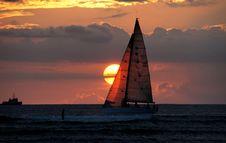 Free Waikiki Sunset. Royalty Free Stock Image - 95643716