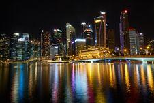 Free Singapore Skyline At Night Royalty Free Stock Image - 95644116