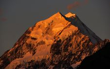 Free Sunset Over Mount Cook. NZ Royalty Free Stock Photo - 95644445