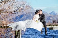 Free Bride And Groom Kissing Royalty Free Stock Images - 95644489