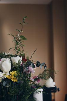 Free Flower Arrangement Royalty Free Stock Photography - 95697677
