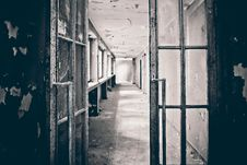 Free Open Door Into Corridor Of Derelict Building Royalty Free Stock Photography - 95697807