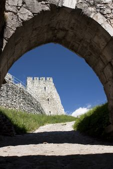 Free Medieval  Castle (Slovakia) Royalty Free Stock Photos - 9572158