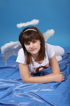 Free The Girl An Angel Royalty Free Stock Photo - 9572715