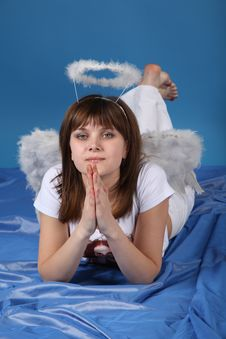Free The Girl An Angel Royalty Free Stock Image - 9572756