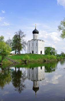 Free Church  Pokrov On Nerl  Stock Image - 9573431