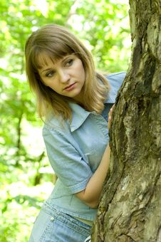 Free Girl And Tree Royalty Free Stock Image - 9577546