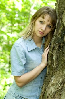 Free Girl And Tree Royalty Free Stock Photo - 9577645