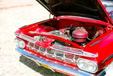Free Red Car In Cuba Royalty Free Stock Photography - 9578017
