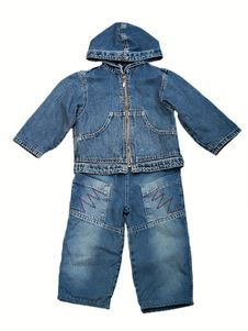 Free Children S Clothes Royalty Free Stock Photography - 9578327
