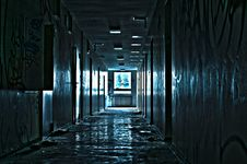 Free Hallway In Abandoned Building Royalty Free Stock Image - 95739836