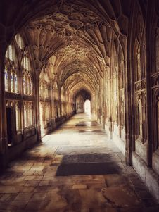 Free Gothic Building Interior Royalty Free Stock Images - 95739989
