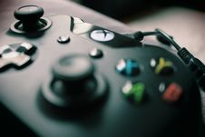 Free Closeup Photography Xbox One Black Controller Stock Photo - 95798400