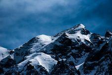 Free Snowy Mountain Peak Royalty Free Stock Photos - 95798438