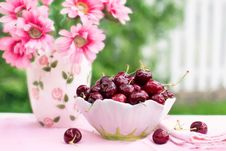 Free Fresh Cherries And Flowers Royalty Free Stock Photography - 95798507