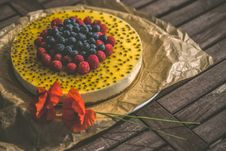 Free Basil Seed Cheesecake With Fresh Berries Royalty Free Stock Photos - 95798508