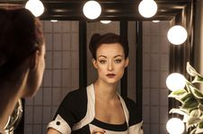 Free Woman With Make Up Mirror Stock Images - 95798524