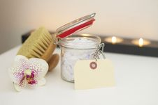 Free Bath Salts And Brush Stock Images - 95798554