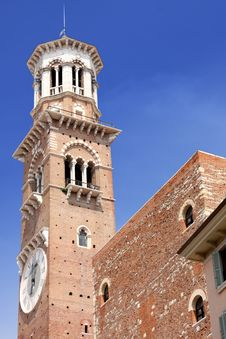 Free Tower Lamberti In City Verona Royalty Free Stock Image - 9580366