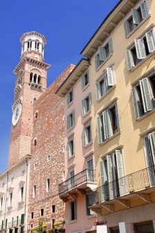 Free Tower Lamberti In City Verona Royalty Free Stock Photo - 9580415
