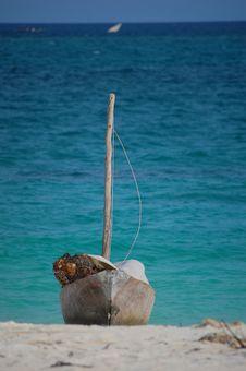 Free Fishing Boat On The Beach Stock Photo - 9582820