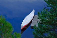 Free Canoe On A Lake Royalty Free Stock Photos - 9587608