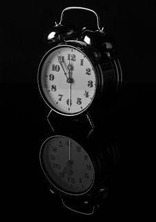 Free Vintage Alarm Clock Royalty Free Stock Photos - 95868298