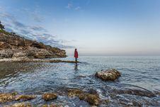 Free Woman Standing Rocks On Waterfront Stock Photo - 95868330
