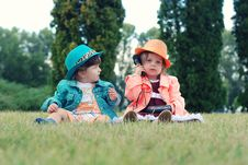 Free Children Playing With Toys Outdoors Royalty Free Stock Photos - 95868338