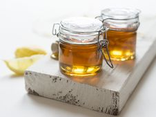 Free Jars Of Honey Royalty Free Stock Photos - 95868488