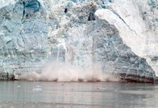 Free Falling Glacier. Royalty Free Stock Photos - 9598758