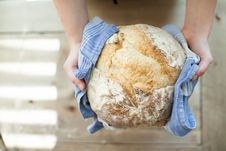 Free Hands Holding Hot Fresh Bread Royalty Free Stock Photos - 95931668