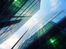 Free Modern Buildings Against Blue Skies Royalty Free Stock Photos - 95931718