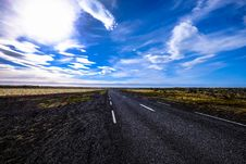 Free Country Road With Blue Skies Royalty Free Stock Images - 95931749
