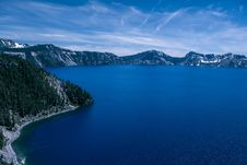 Free Blue Crater Lake Stock Images - 95931804