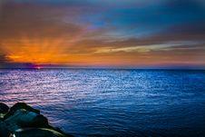 Free Sun Going Behind Horizon Royalty Free Stock Photography - 95996947