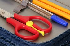 Free Scissors, Pencils And Pen Royalty Free Stock Photos - 963858