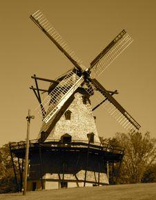 Free Fabyan Windmill Stock Photo - 969320