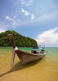 Free Longboat On Beach Stock Photos - 9600513