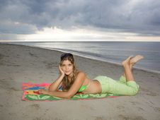 Free Beautiful Lady Smiling In The Beach Stock Photos - 9607563