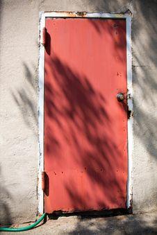 Free Old Red Door Stock Photo - 9609140